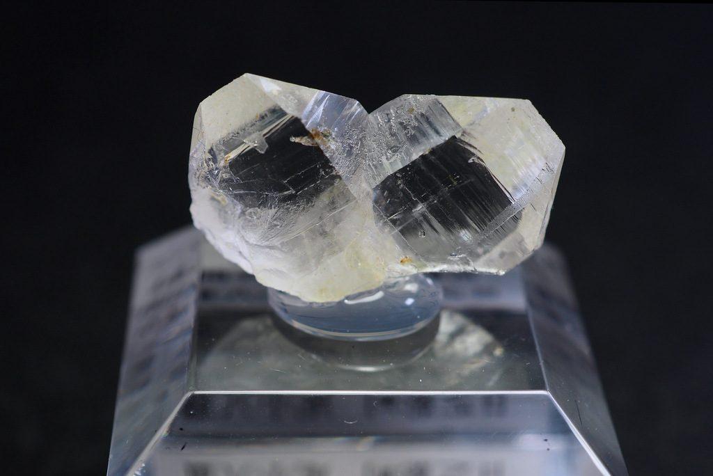 日本式双晶(オシガハエ)