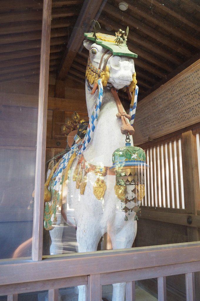 白山比め神社白馬