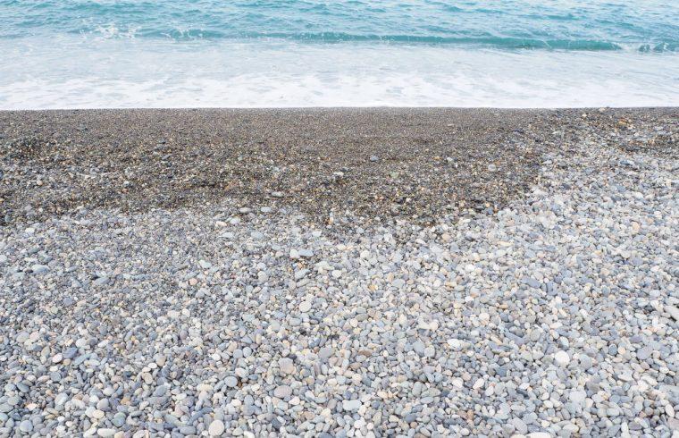 朝日町のヒスイ海岸