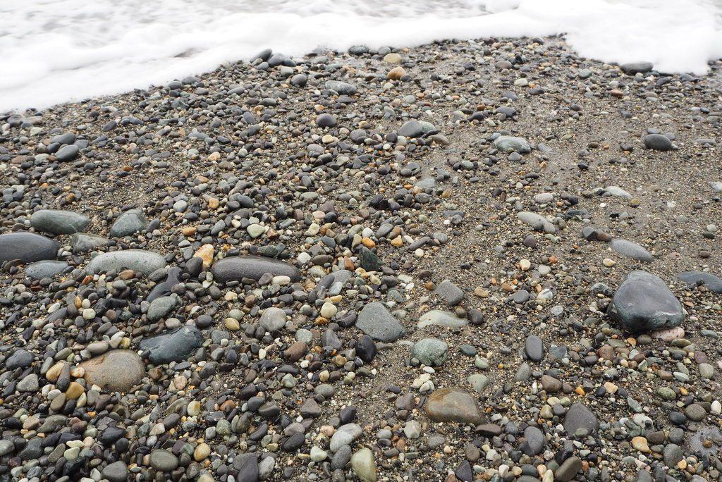 親不知海岸石ころ