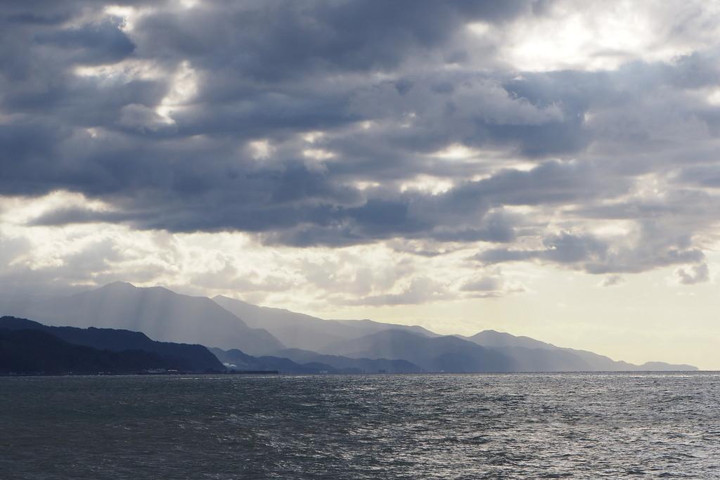 海から眺める糸魚川